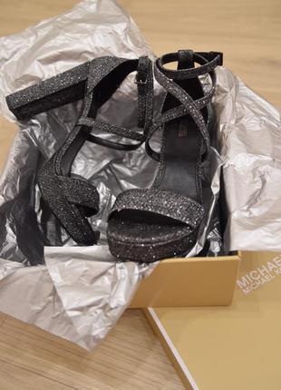 Серебристые босоножки блестящие Michael Kors Charlize Glitter