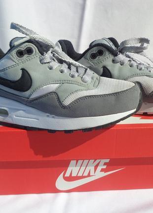 Кроссовки Nike Air Max серые Оригинал. В отличном состоянии
