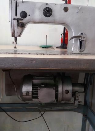 Промышленная швейная машина 1022 кл