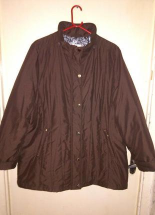 Легчайшая,демисезонная,коричневая  куртка ,большого размера, с...