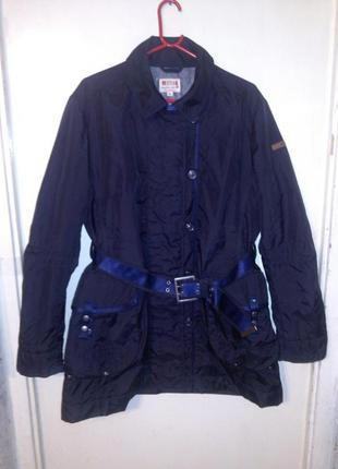 Стильная,тёмно-синяя куртка, с поясом и карманами, больш.разм....