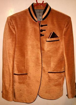 Роскошный,дизайнерский,велюровый пиджак-жакет, с карманами,ast...