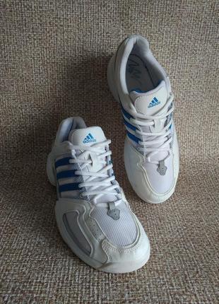 Adidas оригинальные кроссовки 40
