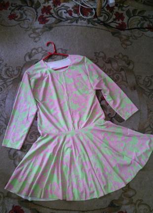 Чудесное,эластичное, яркое платье-боди из аква-дайвинга,неопре...