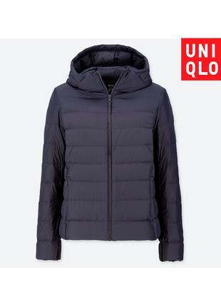 Синяя куртка Uniqlo пуховик размер М складывается в мешочек