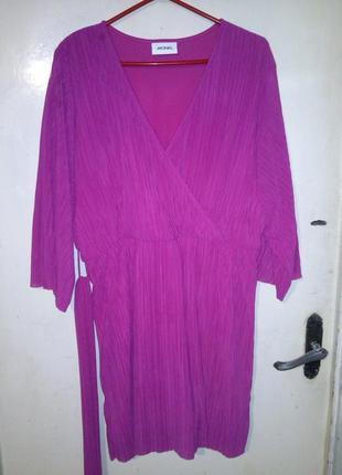 Стильное,гофре,малиновое платье-туника с поясом,рукав-кимоно,б...