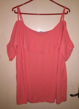 Роскошная,коралловая блуза с открытыми плечами и воланами,бол....