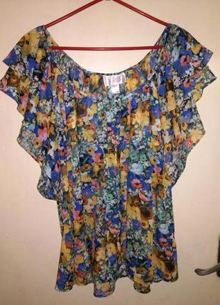 Красивейшая, блуза в цветочный принт,с воланами (можно открыв....