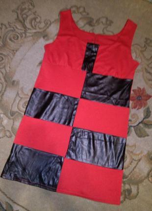 Красивое,комбиниров.плотный трикотаж-кожзам платье по фигуре,б...