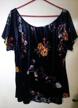 Красивейшая,стрейч-велюровая блуза с открытыми плечам,в цветы,...