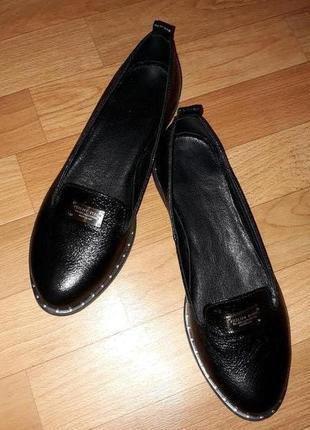 Кожаные женские черные лоферы 39-39,5 р.
