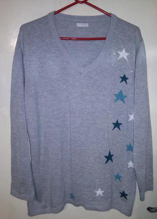 Нежный,тонкой трикотаж.вязки свитерок-джемпер с звёздами и стр...