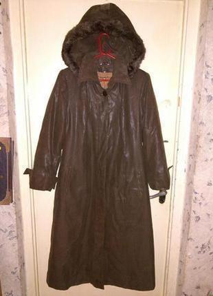 Элегантное,демисезон. пальто,с съемной подкладкой и капюшоном,...