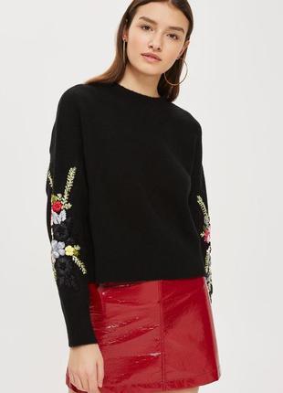 Роскошный свитер с вышивкой лентами на рукавах topshop