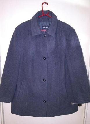 Тёплое, (80% шерсть),серое,лёгкое пальто-куртка с карманами,бо...