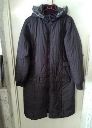 Классное,деми пальто-пуховик с капюшоном и карманами,коричнево...