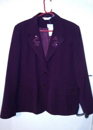 Новый,элегантный пиджак,цвета марсала,с изящной вышивкой,бол.р...
