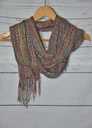 Красивый шарф с люрексом в стиле бохо