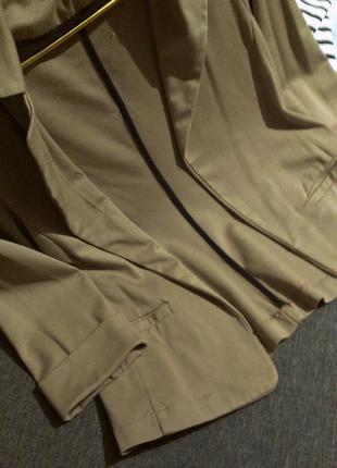 Блейзер -пиджак бежевый