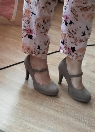 Туфли на каблуке как новые