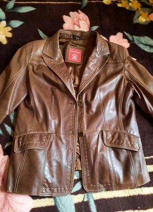 Продам кожанный женский пиджак