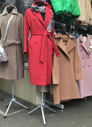 Продажа верхней женской одежды из кожи, шерстяных тканей и тексти