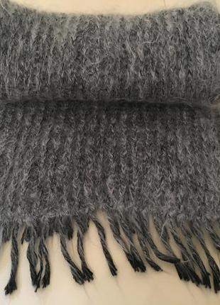 Мохеровый шарф серый теплый