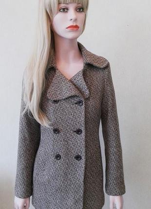 Шерстяное пальто от немецкого бренда
