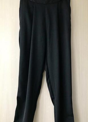 Шелковые брюки stradivarius / высокая посадка / m