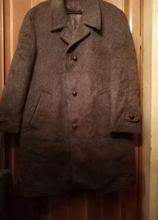 Драповое пальто очень большого размера