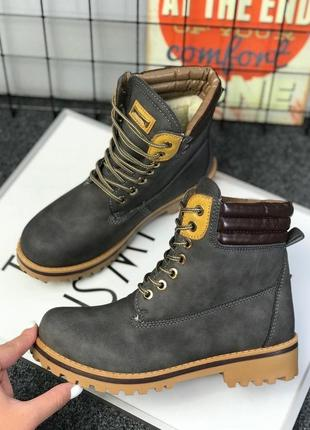 Зимние ботинки с мехом женские графит на шнурках
