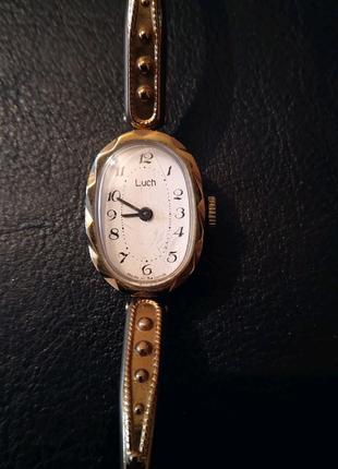 Женские наручные часы Луч.
