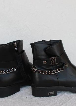 Зимние сапоги, ботинки на низком ходу 40 размера