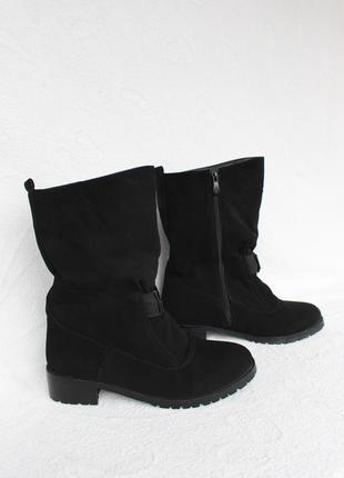Зимние сапоги, ботинки на низком ходу 39 размера