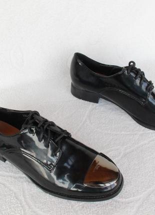 Осфорды, броги, туфли на шнурках 39 размера на низком ходу
