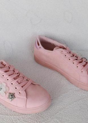 Стильные кроссовки, кеды 40 размера