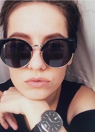 Женские солнцезащитные очки кошечки с коричневой оправой