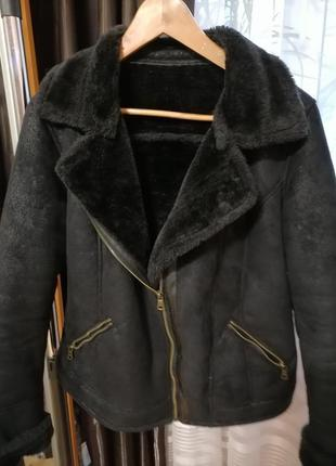 Черная дубленка из эко-меха классическая косуха распродажа