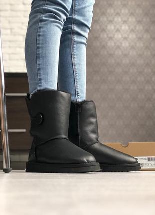 Женские черные ботинки угги ugg bailey button black