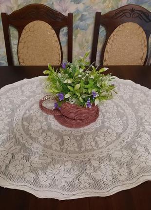Салфетка ажурная на стол или комод.