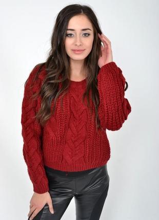 Шерстяной вязаный свитер кроп с косами