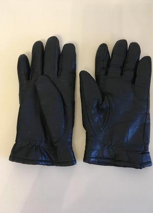 Черные кожаные теплые перчатки