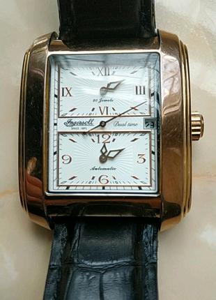 Продам часы в отличном состояние