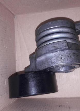 Натяжник ремня генератора з роликом(привідний)