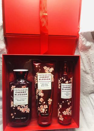 """Подарочный набор """"Japanese Cherry Blossom"""" Bath And Body Works"""