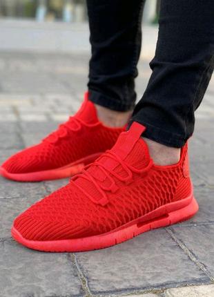 Мужские кроссовки красные