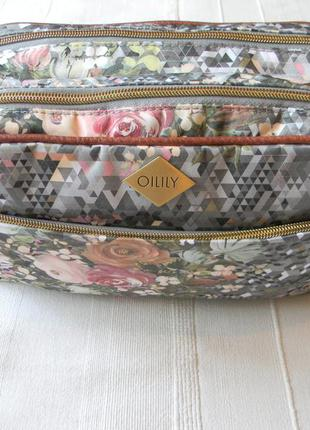 Косметичка для путешествия /сумка для косметики oilily