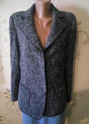 Armani . 41% шерсть . теплый пиджак жакет куртка . ткань букле