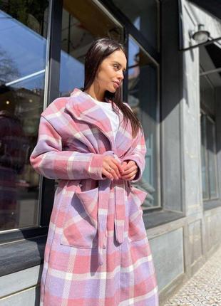 Пальто клетчатое розовое