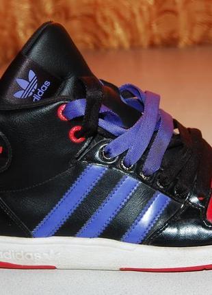 Adidas кроссовки 36 размер